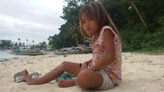 Guimbitayan Beach: Friend on the beach :o)