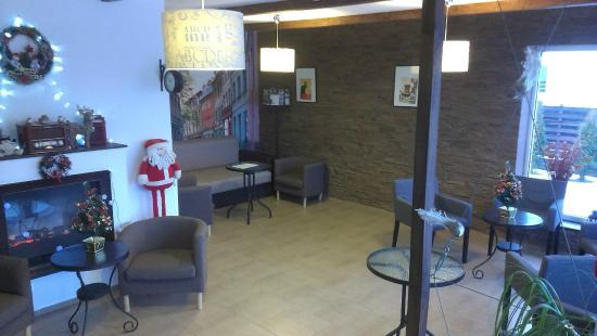 Mini-Hotel La Menska: Холл