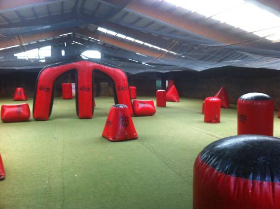‪PowerPaint Indoor Paintball‬