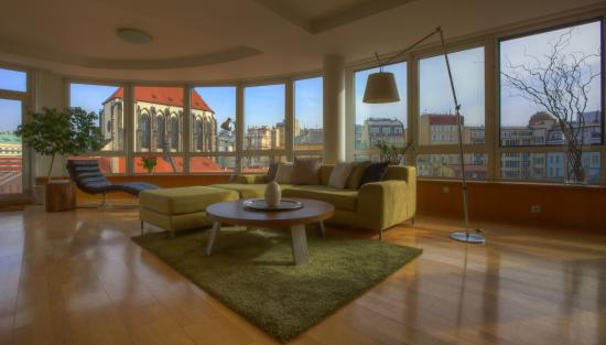 Franciscan Garden Apartments: Glass Suite Apartment - conference table