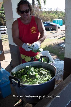 Paia, Hawái: Cooking the Taro leaf