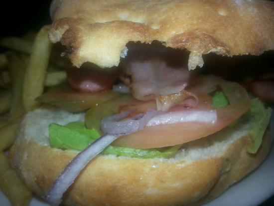Pizzeria IRMA trattoria: hot-dogIRMA