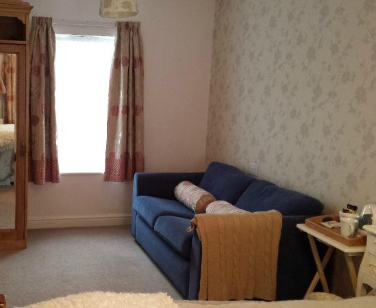 School House Kendal Holiday Lets: The relaxing living area of our room (Room 2)