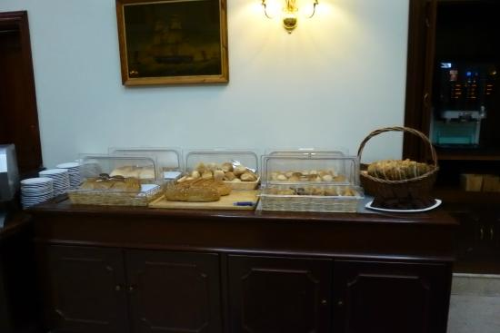 The Victoria Hotel : Some of the Maltese bread options at breakfast.
