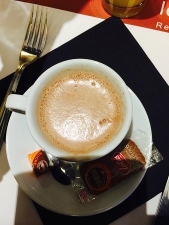 Le Matisse : Hot chocolate
