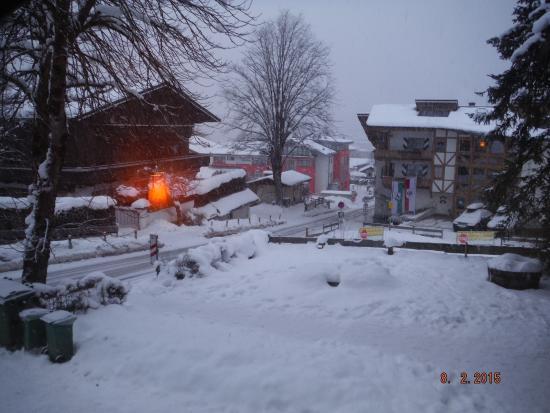 Pension Karlberger: Looking down road to Kitzbuhel centre and gondola