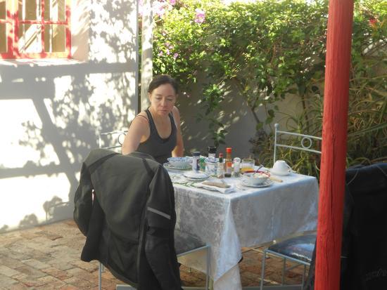 Mai's Guest Lodge: Breakfast