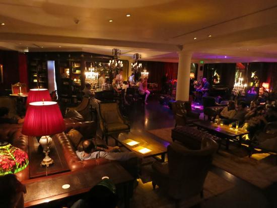 The Library Lounge Hotel Faena Buenos Aires: visão do bar
