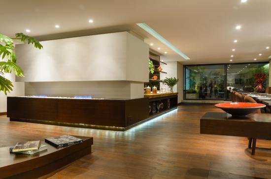 Nico Aparta Suites: Lobby