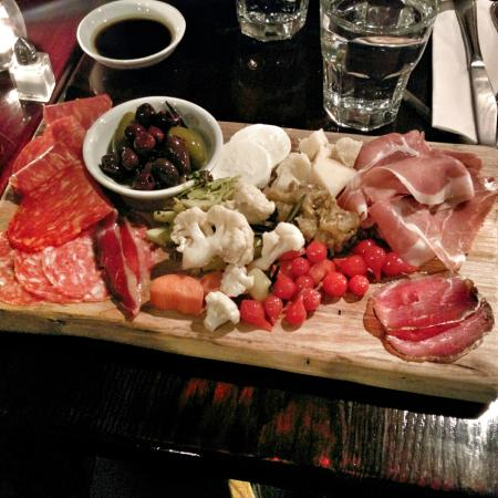Pazzo Taverna and Pizzeria: Charcuterie board