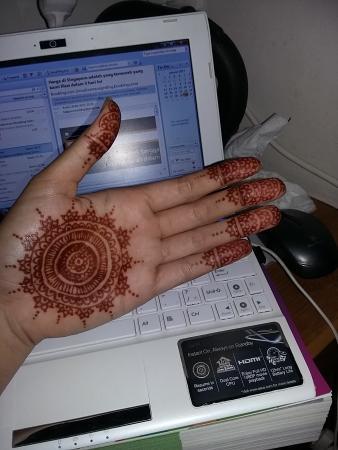 Simple Hand Henna Design Looovee It Picture Of Henna Bali