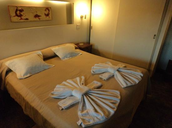 Portal del Lago Hotel: La preparazione della camera
