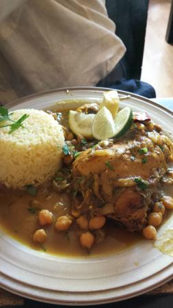 Tagine Zhor: chicken tangine