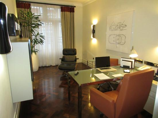 Taj 51 Buckingham Gate Suites and Residences: Study