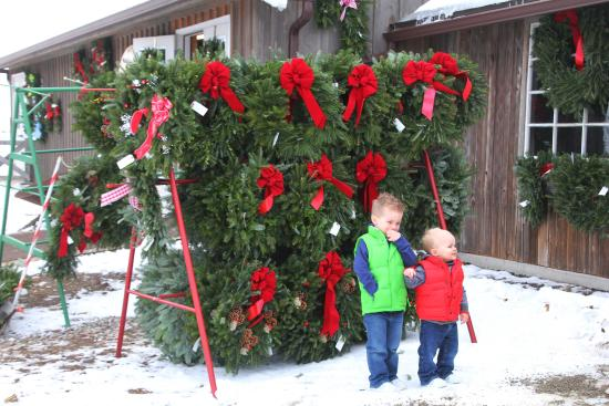 Scottsville, estado de Nueva York: Fresh made wreaths and swags