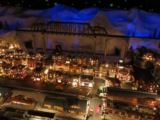 Galveston Island Railroad Museum and Terminal : Model Railroad Nightfall