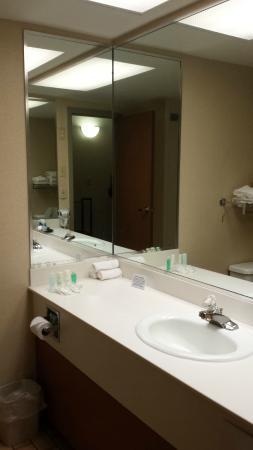 Clarion Hotel - West Memphis, AR