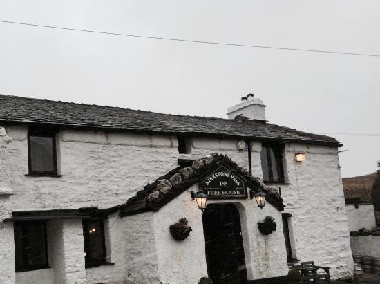 Kirkstone Pass Inn Bar: February 2015