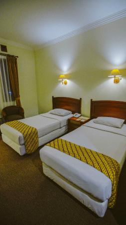 New Sany Rosa Hotel : Twin Bed Room 318
