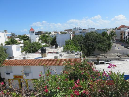 Encanto Riviera Apartments: View from third floor