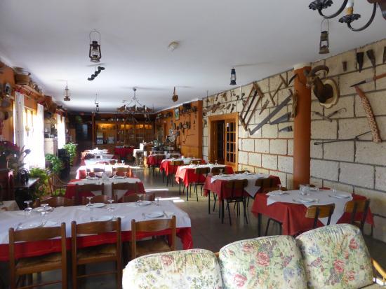 Hotel El Sombrerito: Dining room.