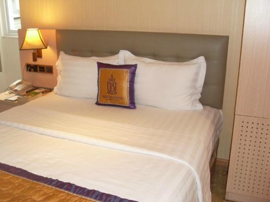 Blue Diamond Signature Hotel: Chambre
