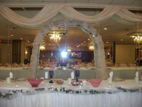 Corsis Restaurant Banquet Halls Wedding Reception Head Table