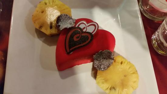 La Ripaille : pour 2 personnes, Coeur de chocolat et ananas rôti