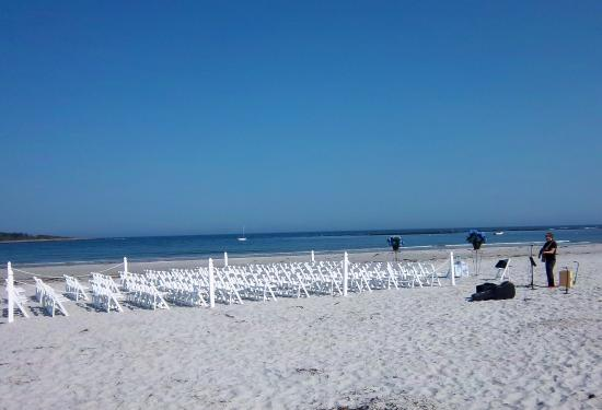Ocean Woods Resort: Wedding Ceremonies on nearby Goose Rocks Beach