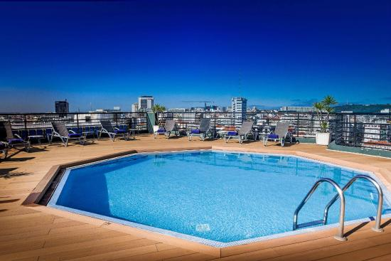 Almirante bar picture of holiday inn lisbon lisbon - Hotels in lisbon portugal with swimming pool ...
