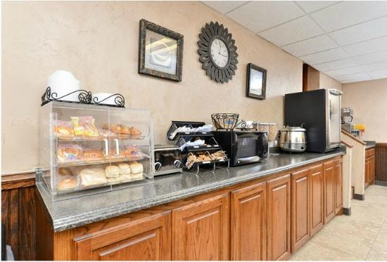 Americas Best Value Inn- Ardmore: Breakfast Area
