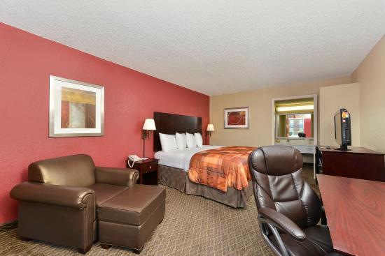 Americas Best Value Inn- Ardmore: One King Bed
