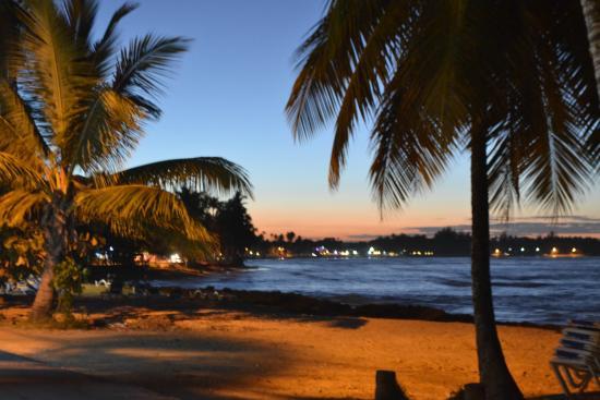 Hotel Playa Caribe : Praia em frente ao hotel