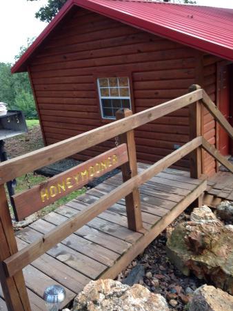 Mena Mountain Top Motel / Cabins, Inc.