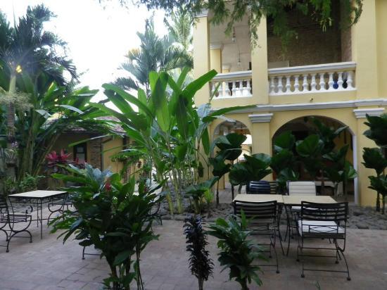 La Villa Battambang: Jardin