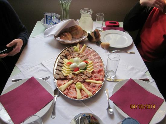 Castle Odescalchi-Museum of Ilok : Breakfast