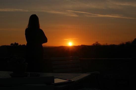 Agriturismo Cerreto: Sunset.