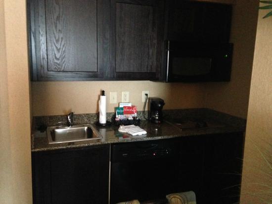 Homewood Suites Atlanta NW-Kennesaw Town Ctr: Kitchen