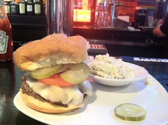 Clark Bar & Grill: Boomer Burger