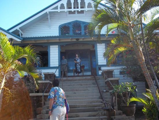 Lahaina United Methodist Church : outside of church