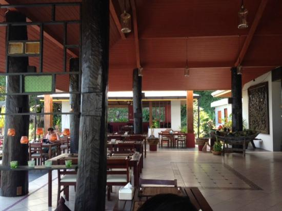 Koh Ngai Thanya Beach Resort: ristorante