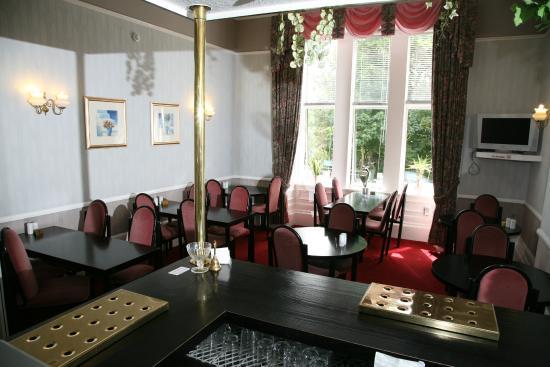 Ambassador Hotel: Dining Room