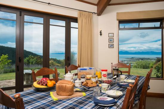 Fraser Highlands Retreat: Healthy Breakfast