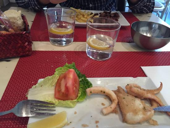 a.n.E.l: Calamari e carne di maiale con patatine