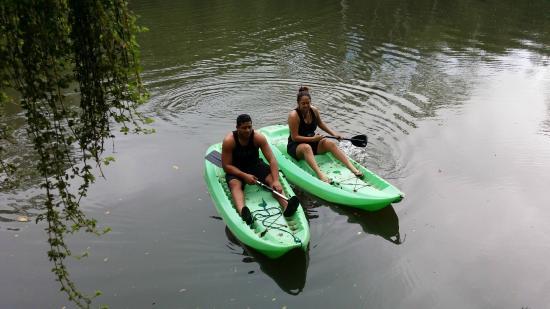 Colo I Suva Rainforest Eco Resort: Raintree lake recreation
