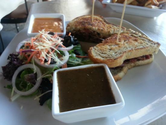 The Grill at Hunter Ranch: Rubens ... needs more sauerkraut