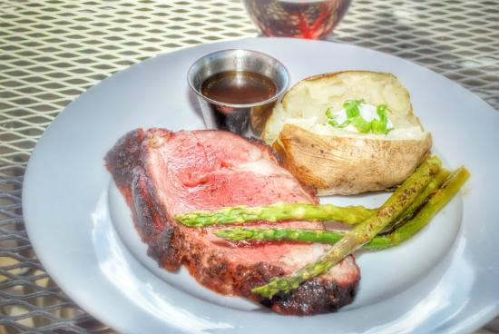The Clubhouse at Jug Mountain Ranch : Smoked Prime Rib