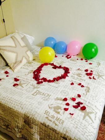Coqui del Mar Guest House : Birthday decorations.