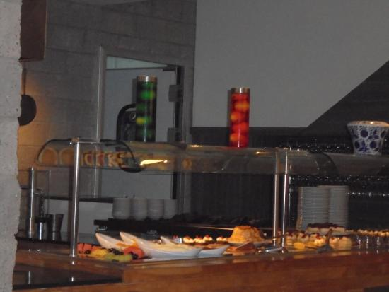 Foto de cocina abierta 505 san pedro estaciones de for Comedor 505 san pedro