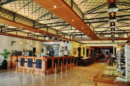 Cafe Free Port